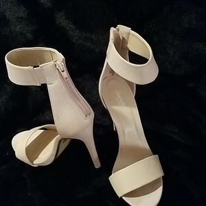 Charlotte Russe Stiletto Heels size 8